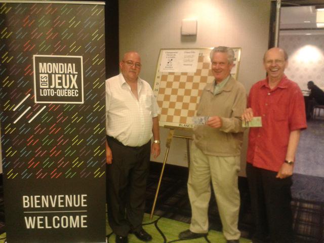 Mario Bélanger avec Aquila Cyr et Eddy Peterson, gagnant de l'intermédiaire.